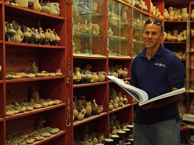 Поиск кладов в Израиле: разъяснения Управления Древностей