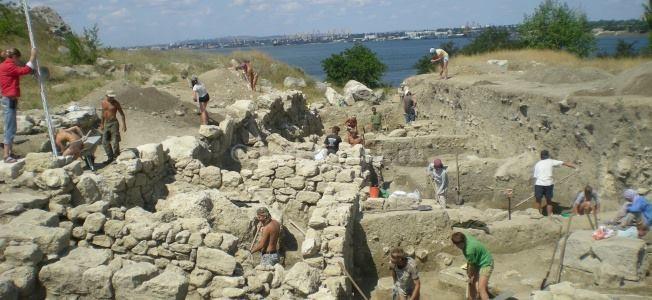 Аксенов предложил «раскопать» в Крыму все возможное