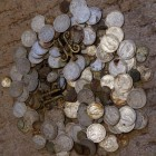 Очередной клад рублей