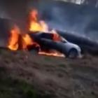 Копари жгли траву, а сожгли машину (Видео)